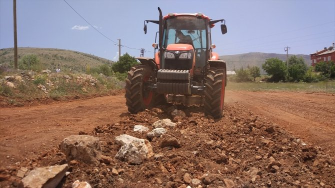 Bozkır Ziraat Odası çiftçiler için traktör aldı