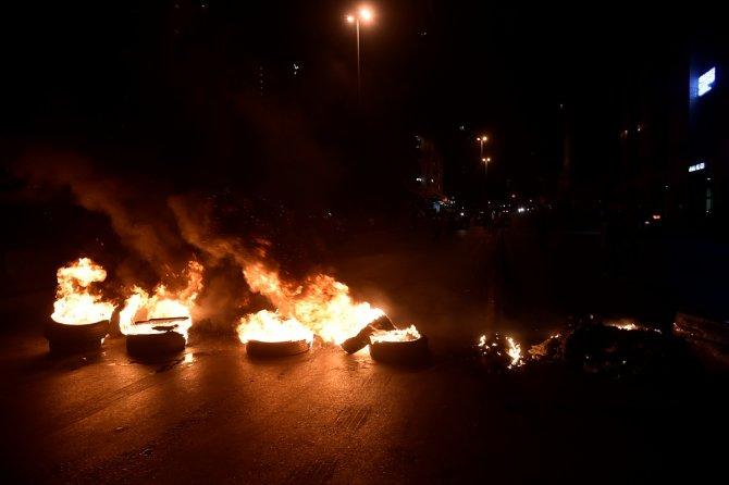 Lübnan'da ekonomik kriz protestoları sürüyor: 10 yaralıı