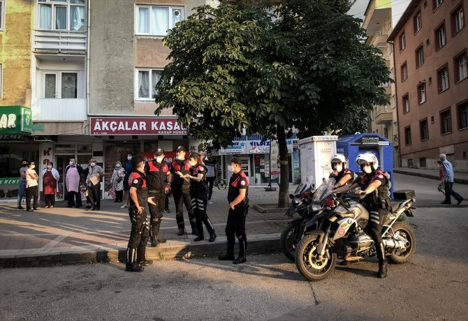 Kavgayı ayıran polis memuru pompalı tüfekle vuruldu
