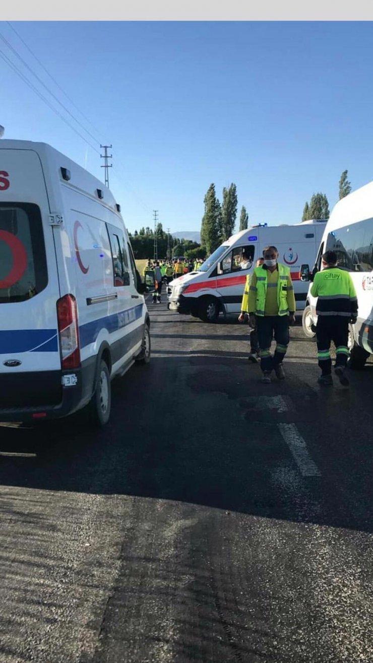 İşten çıkarıldı, servis aracını taradı: 5 yaralı