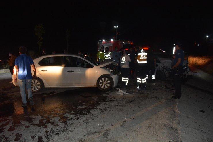 Bilecik'te iki otomobil çarpıştı: 6 yaralı