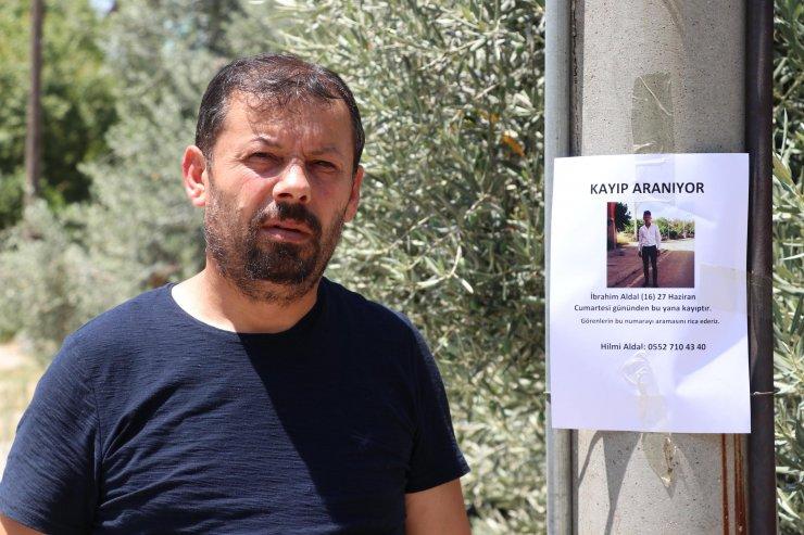Sokak sokak dolaşıp kayıp oğlunu arıyor