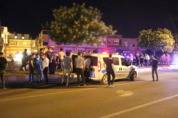 Maske uyarısı yapan polise mukavemet eden 5 kişi gözaltına alındı
