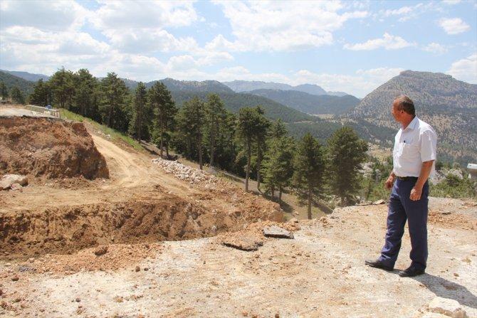 Bozkır-Antalya kara yolunda onarım çalışmaları sürüyor