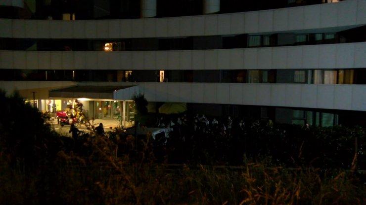 Kadıköy'de 7 gündür elektrikleri kesik olan site sakinleri yardım istedi