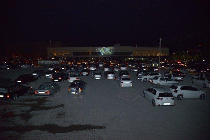 """Kırşehir'de """"arabalı sinema"""" etkinliği"""