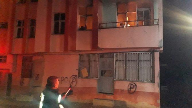 Adana'da evde çıkan yangın kontrol altına alındı