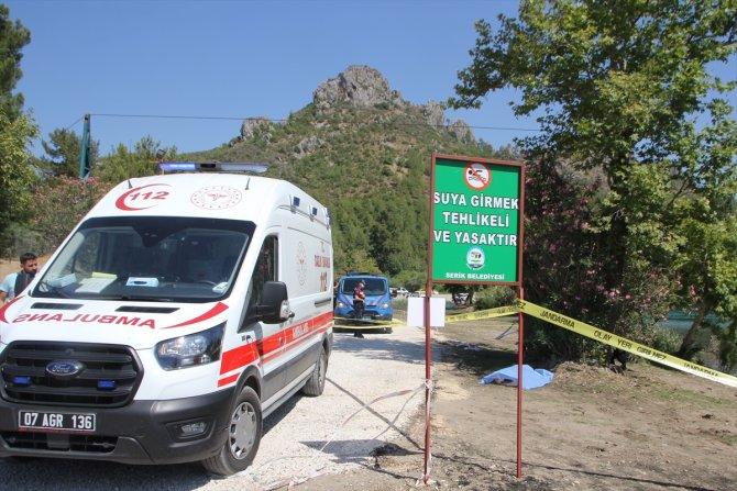 Antalya'da ırmağa giren kişi boğuldu