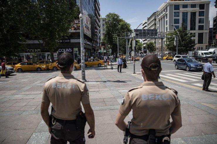 Ankara'da maske takmayan 1390 kişiye para cezası