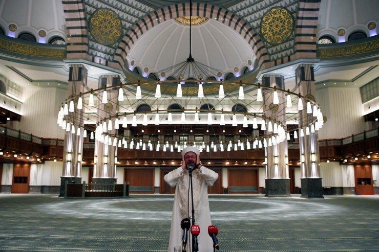 Diyanet İşleri Başkanı Erbaş, Millet Camii'nde sela okudu