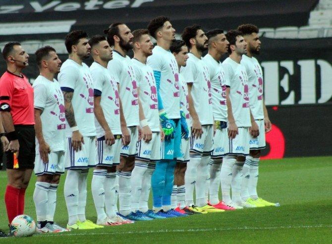 Derbide sahada 12 Türk oyuncu