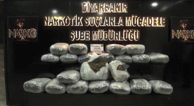 Diyarbakır'da 235 kilo 'esrar' ele geçirildi: 11 tutuklama