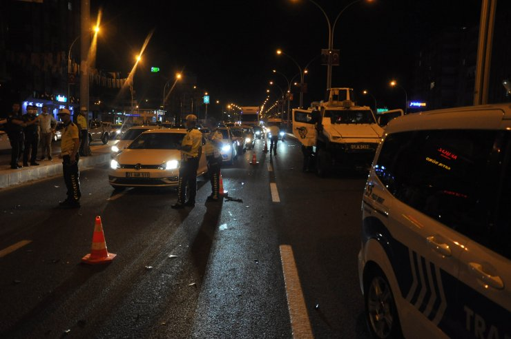 Diyarbakır'da iki otomobil çarpıştı: 3 yaralı
