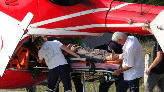 Kazada yaralanan şahsın ambulans helikopterle hastaneye sevk edildi