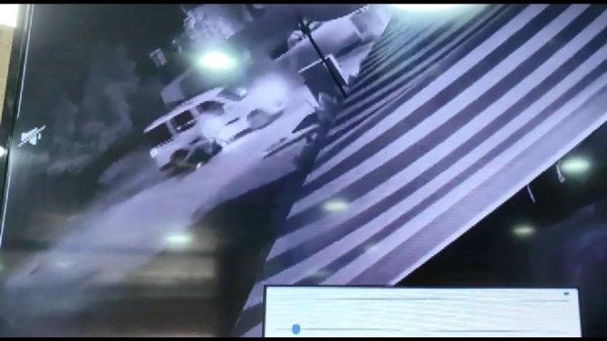 Korkunç kaza güvenlik kameralarına yansıdı