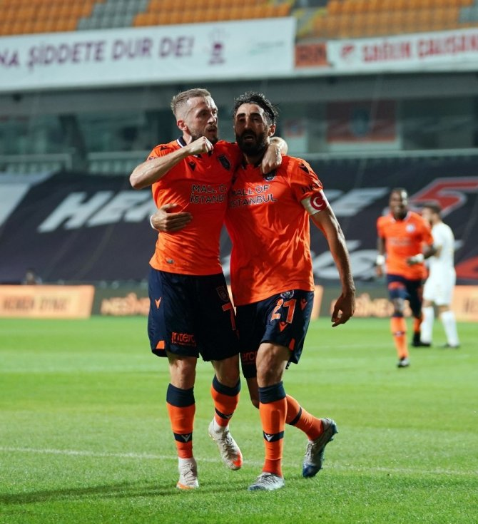 Süper Lig: Medipol Başakşehir: 1 - Kayserispor: 0 (İlk yarı)