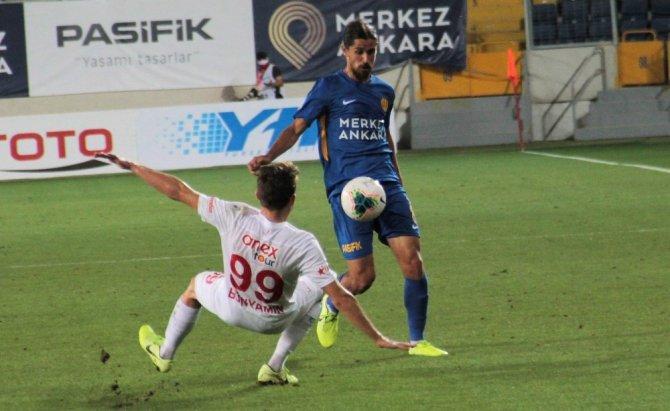 Süper Lig: MKE Ankaragücü: 0 - Fraport TAV Antalyaspor: 0 (İlk yarı)