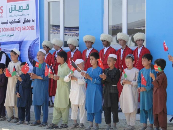 Hayırsever Türk doktorun Afganistan'da yaptırdığı okul hizmete açıldı