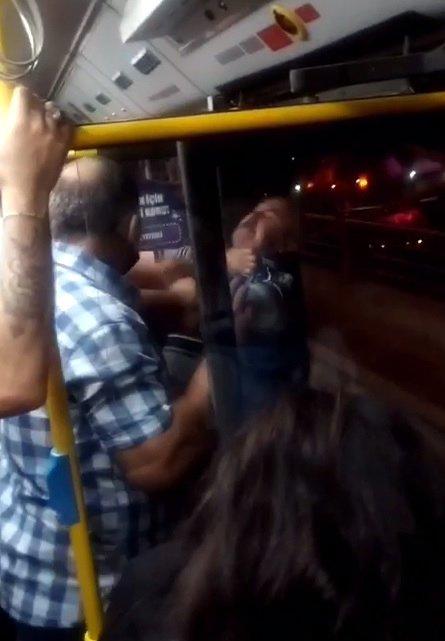 Ankara'da otobüste yer 'vermeme'kavgası
