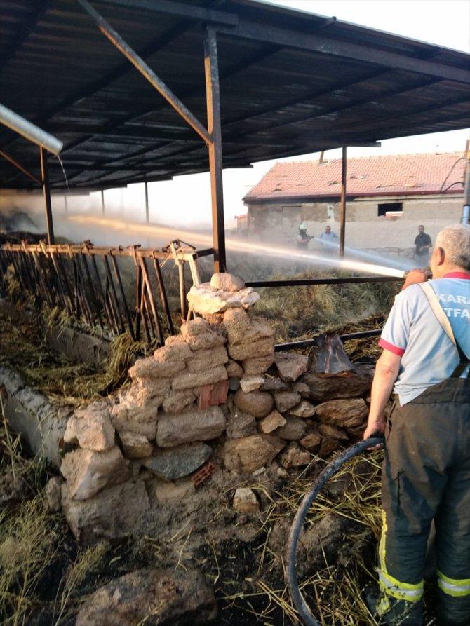 Karaman'daki yangında 3 bin saman balyası yandı