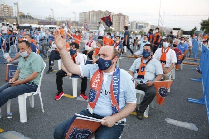 Başakşehir'de şampiyona muhteşem kutlama