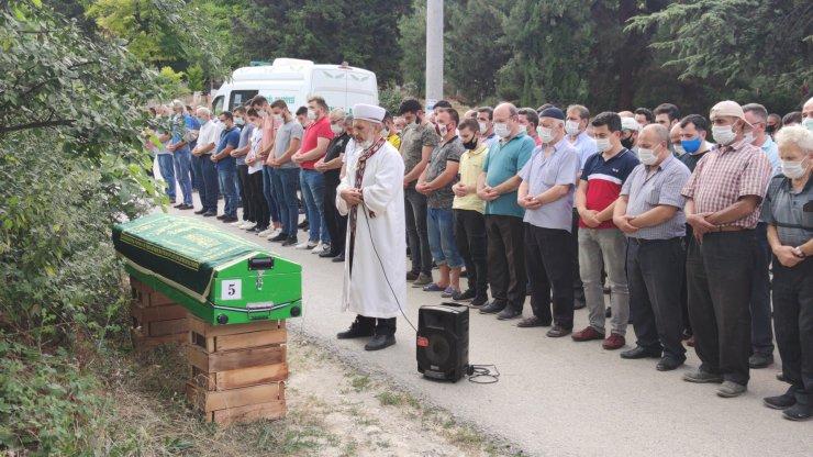 Bursa'da kazada ölen gençler defnedildi