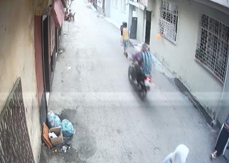 Motosikletli kapkaççı saç tıraşından yakalandı