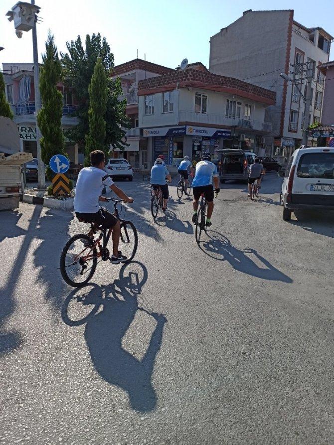 Bisikletçiler Selendi'de pedal çevirdi