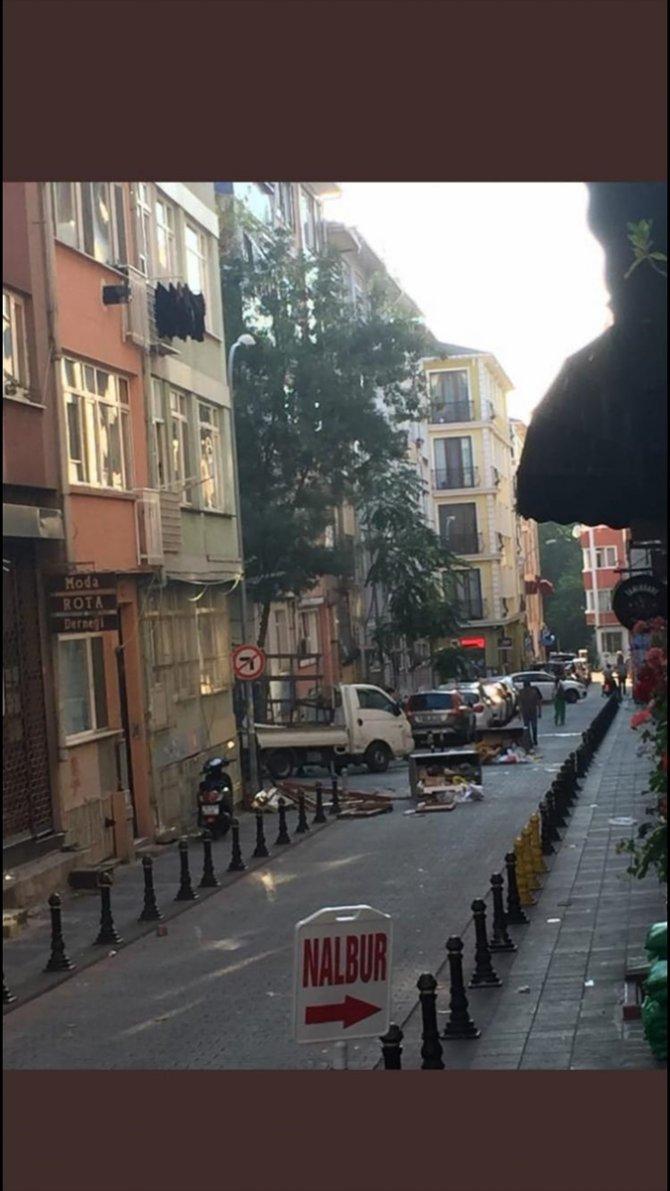 Kadıköy'de izinsiz yürüyüş