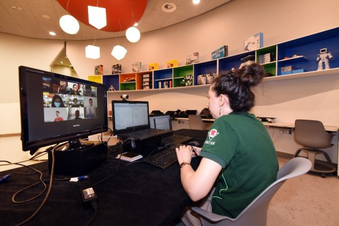 Konya Bilim Merkezi'nde çevrimiçi Yaz Bilim Kampları başladı