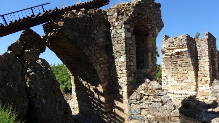 Tarihi köprü yeniden ayağa kaldırılacak