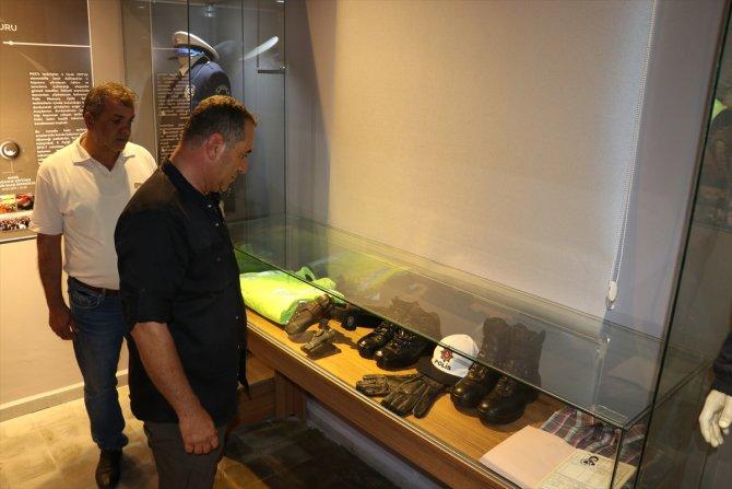 Şehit babasından oğlunun hatıralarının sergilendiği müzeye duygusal ziyaret
