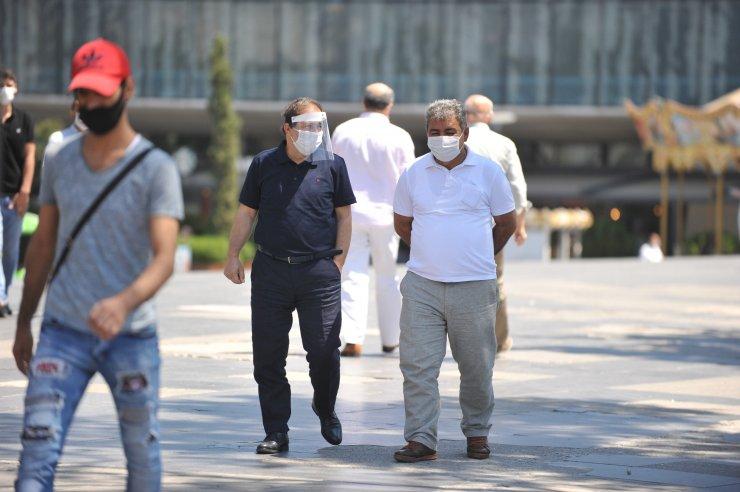 Bursa'da vaka artışına rağmen maske ve sosyal mesafe yine unutuldu