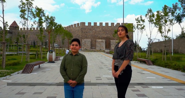 Erzurum Kongresi'nin yıl dönümünde Atatürk'e okunan şiiri marş olarak besteledi