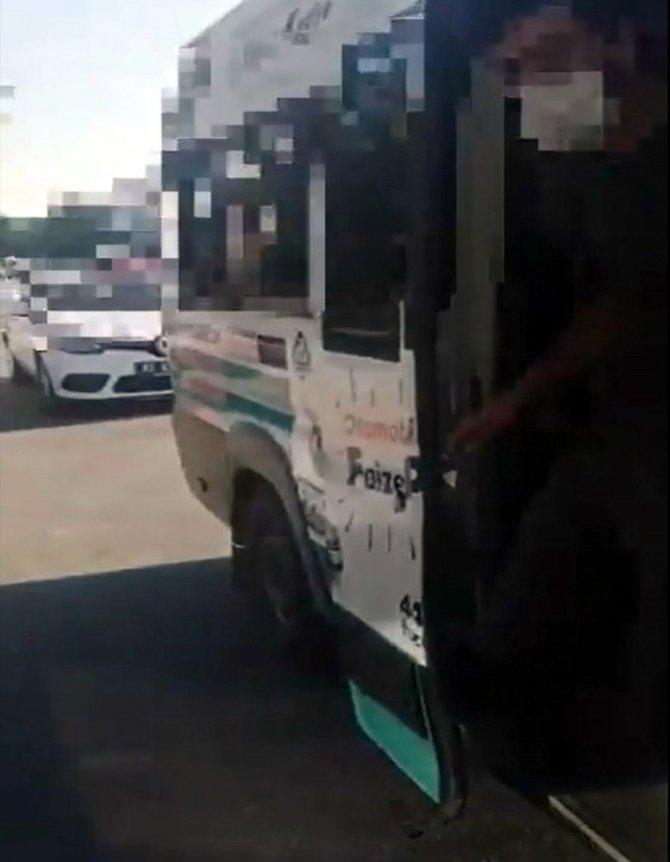 Konya'da trafik denetiminde minibüsten 26 kişi çıktı