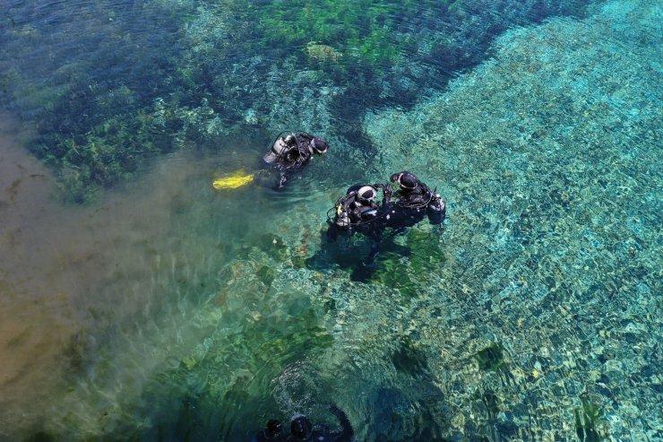 Sivas Valisi, doğal akvaryum Gökpınar Gölü'ne dalış yaptı