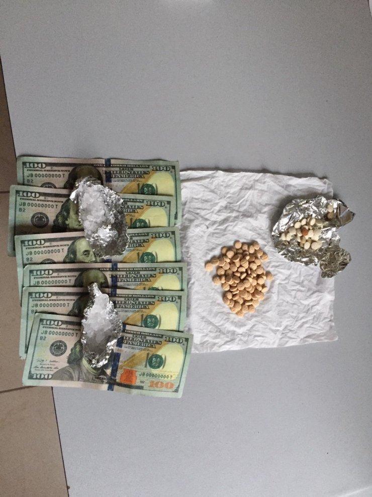 Üstünde ve evinde uyuşturucu ele geçirilen şüpheli gözaltına alındı