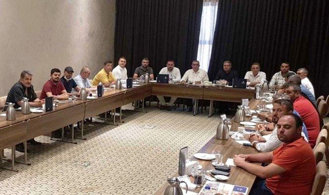 Yerli ve millî palet üreticileri Konya'da bir araya geldi