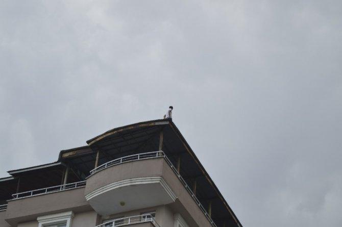 Ağrı'da intihar girişiminde bulunan şahsı polis ikna etti