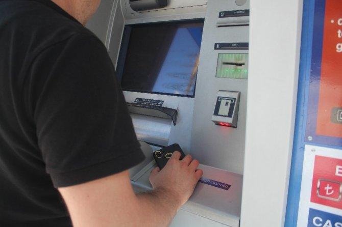 ATM soyguncuları onlarca kişinin banka hesabını boşalttı