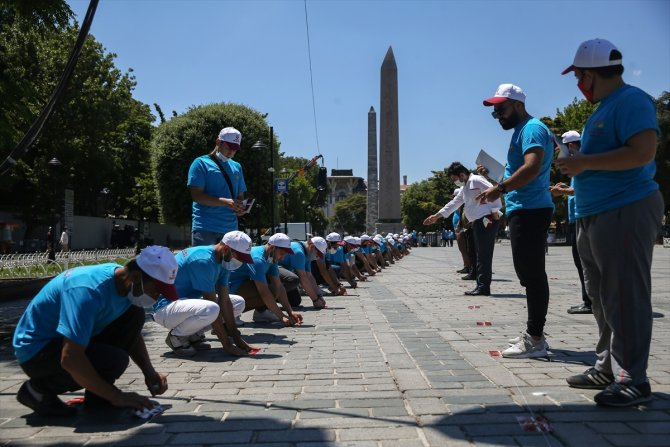 Türkiye'nin dört bir tarafından Ayasofya Camisi'nde namaz kılmak için geldiler