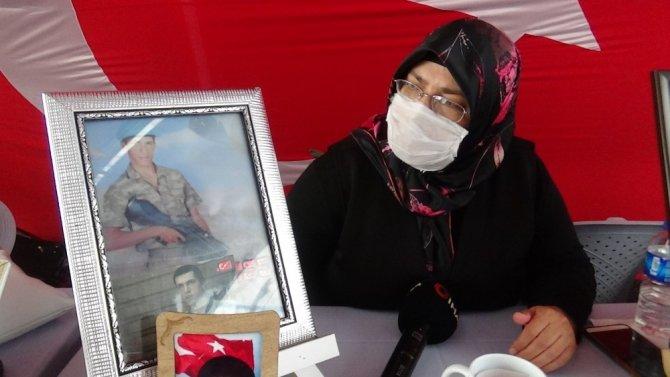 HDP önündeki ailelerin evlat nöbeti 325'inci gününde