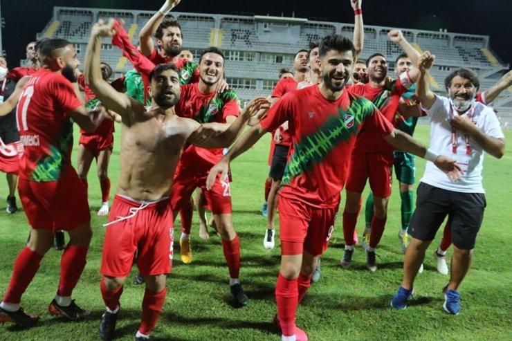 Karşıyaka'da şampiyonluğa1 kaldı