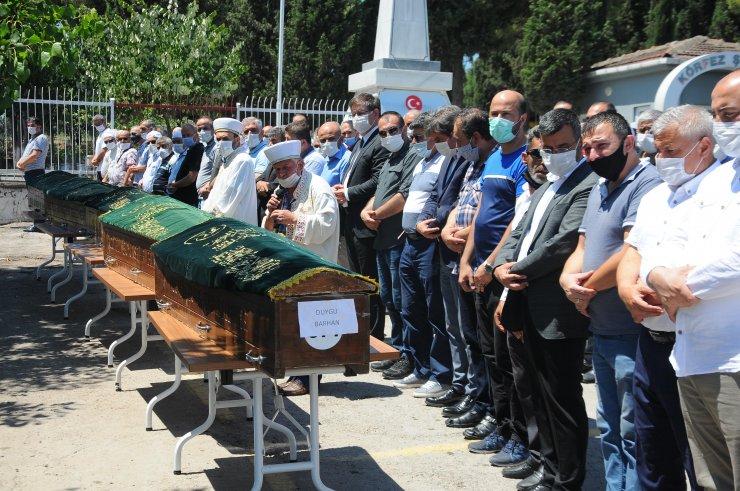 Kazada ölen aynı aileden 5 kişi toprağa verildi