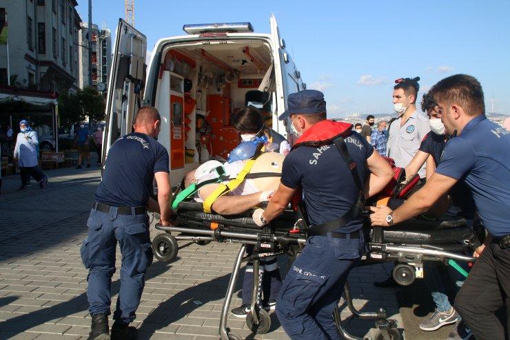 Vapurdan düştü kalp masajıyla hayata döndürüldü