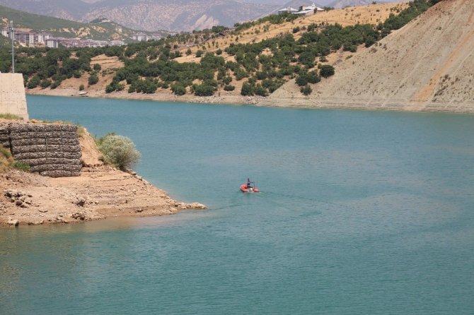 Gülistan, kodu düşürülen barajda aranmaya devam ediyor