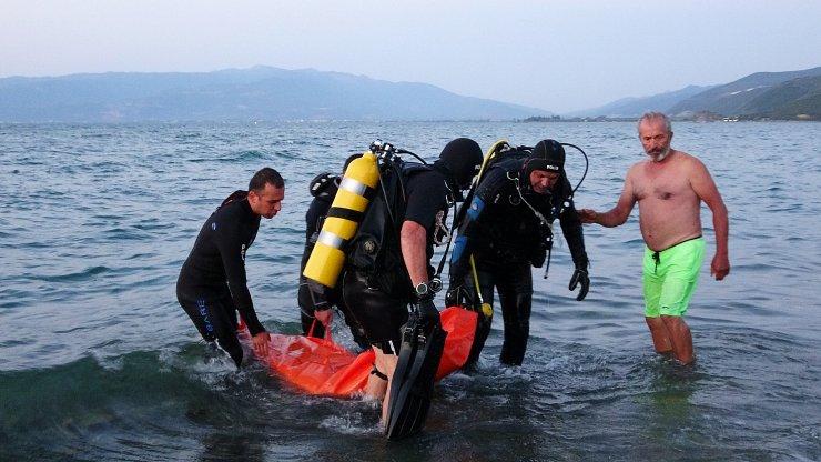 İznik Gölü'nde kaybolan 4 kişiden 2'si boğuldu