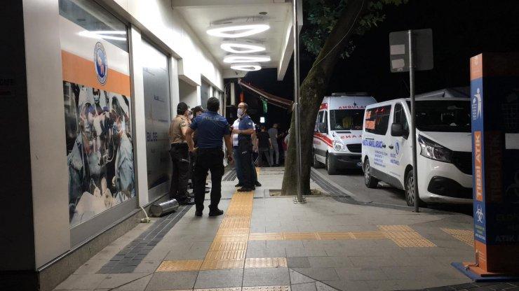 50 kişilik 2 grup kavga etti: 2 yaralı, 3 gözaltı