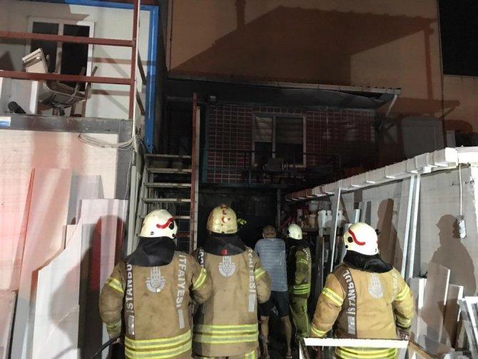 Ataşehir'de işçilerin kaldığı konteynerde korkutan yangın