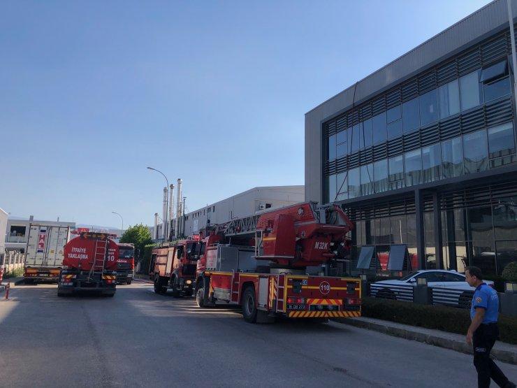 Fabrika çatısında çıkan yangın söndürüldü